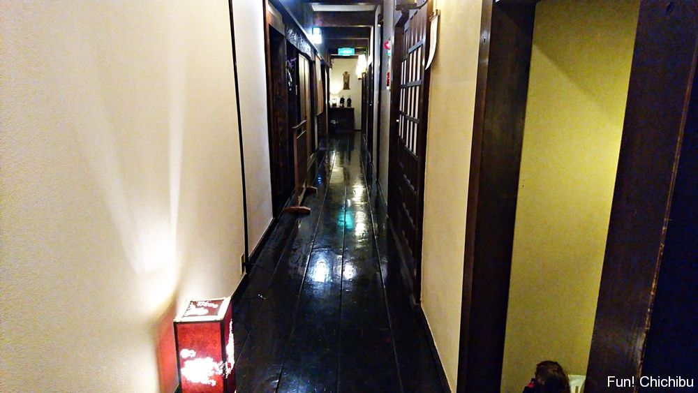 新木鉱泉旅館の廊下