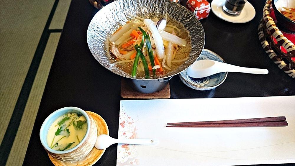 野菜と牛肉の汁物と茶碗蒸