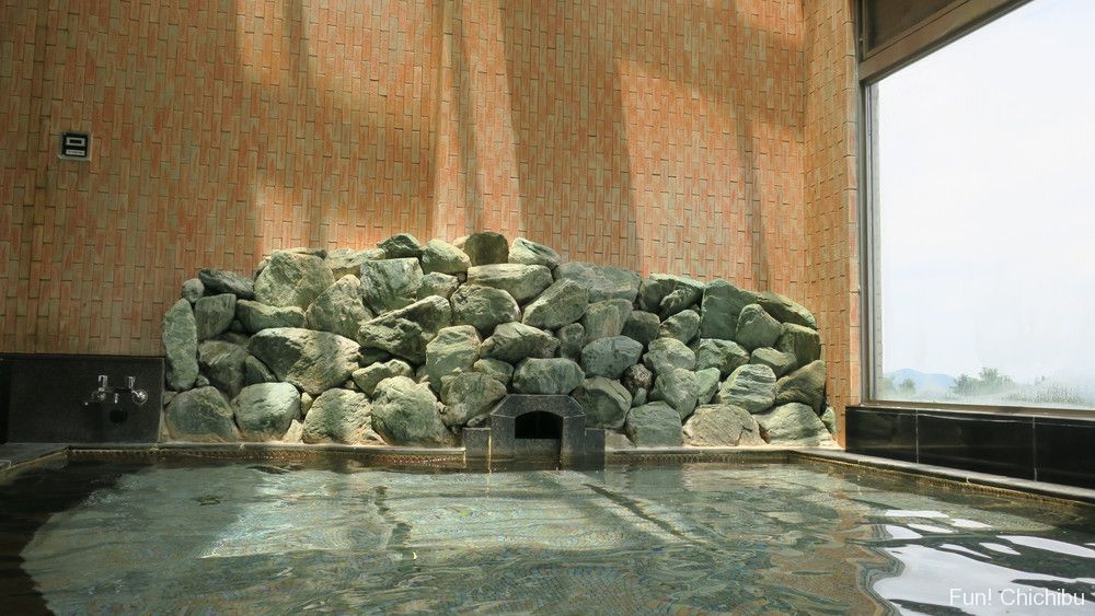 いこいの村ヘリテイジ美の山温泉の色は透明