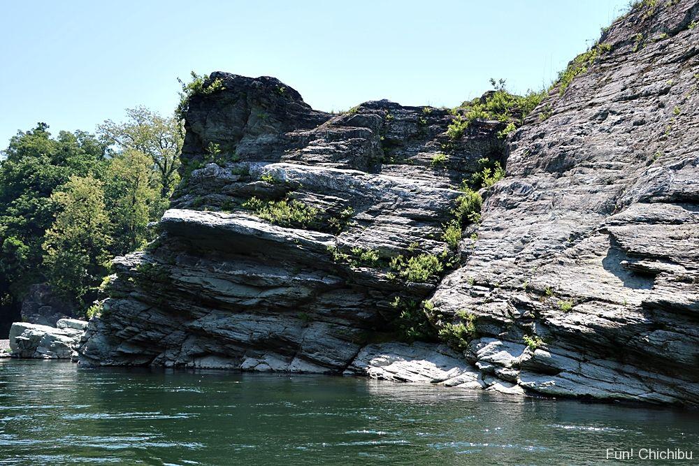 船から見る岩畳
