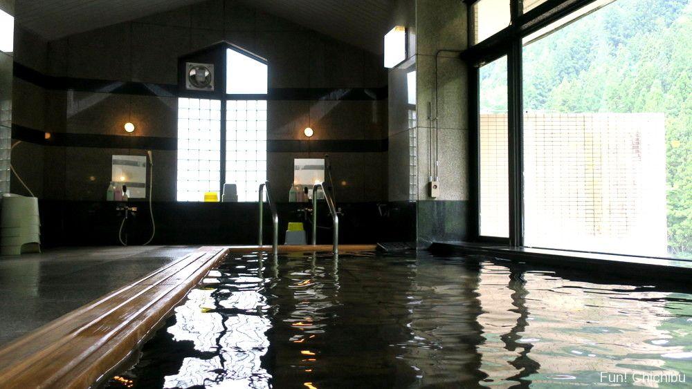 大滝温泉・遊湯館の浴場内