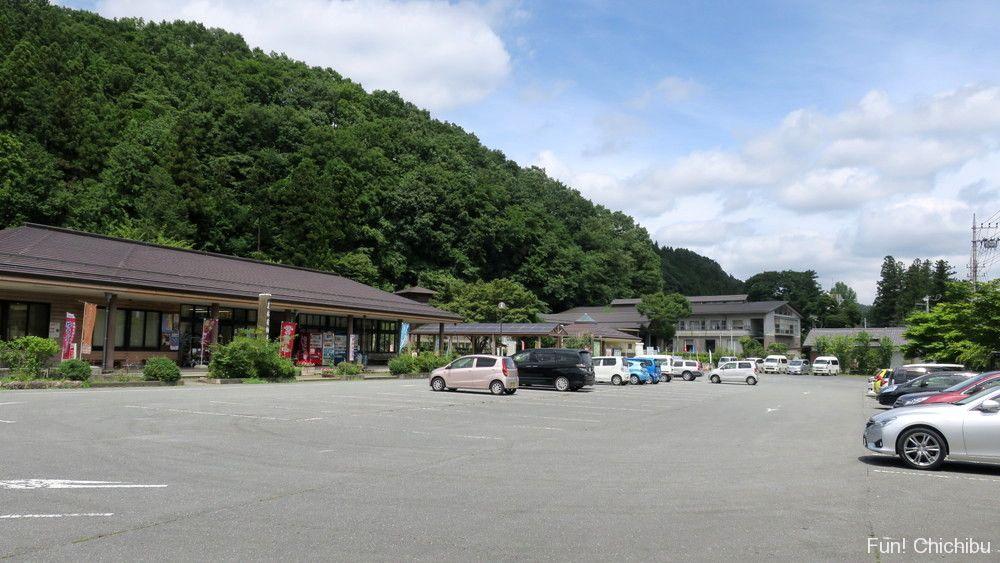 道の駅両神温泉薬師の湯駐車場