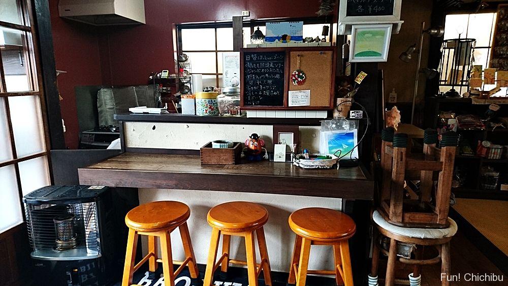 Cafeほっkuriカウンター席
