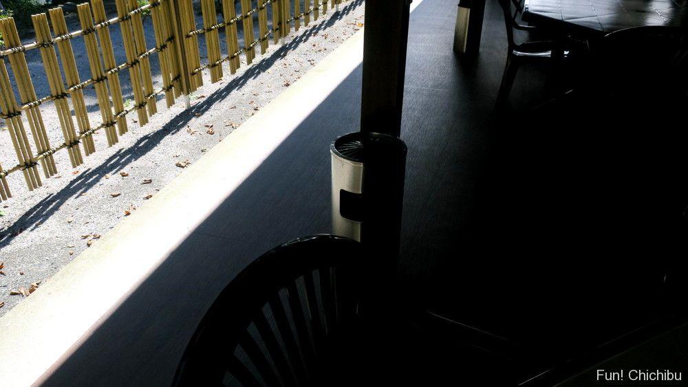 梵の湯休憩室の灰皿