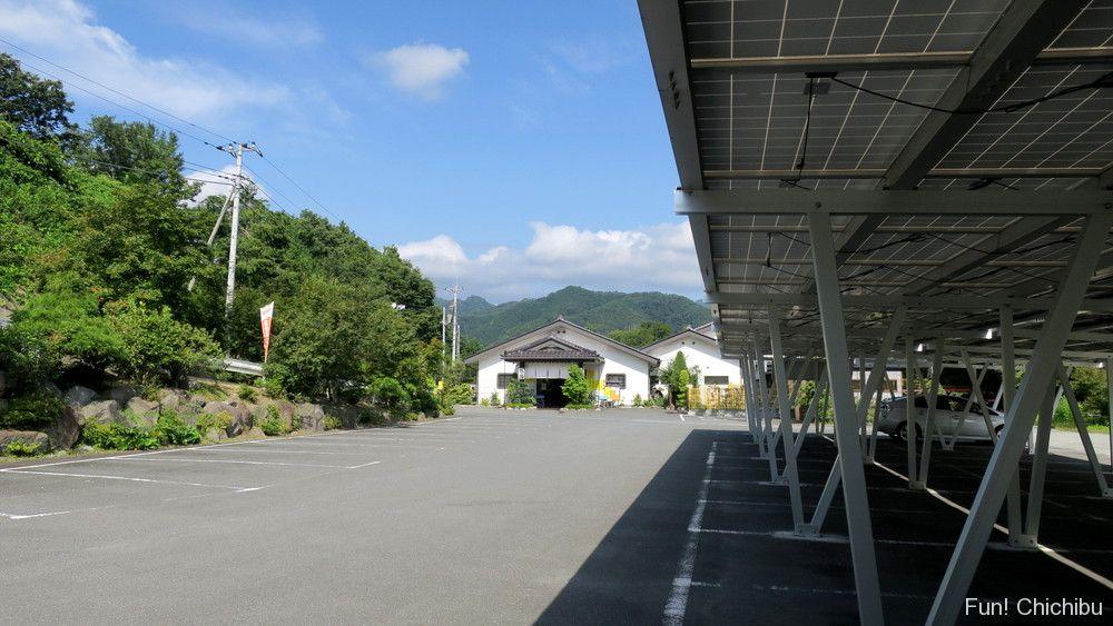 梵の湯駐車場
