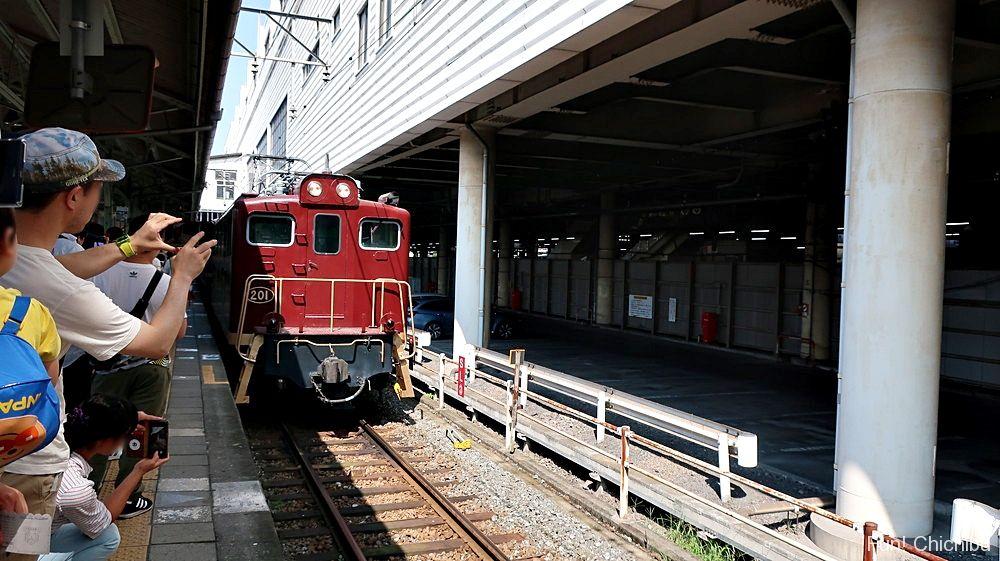パレオエクスプレス客車