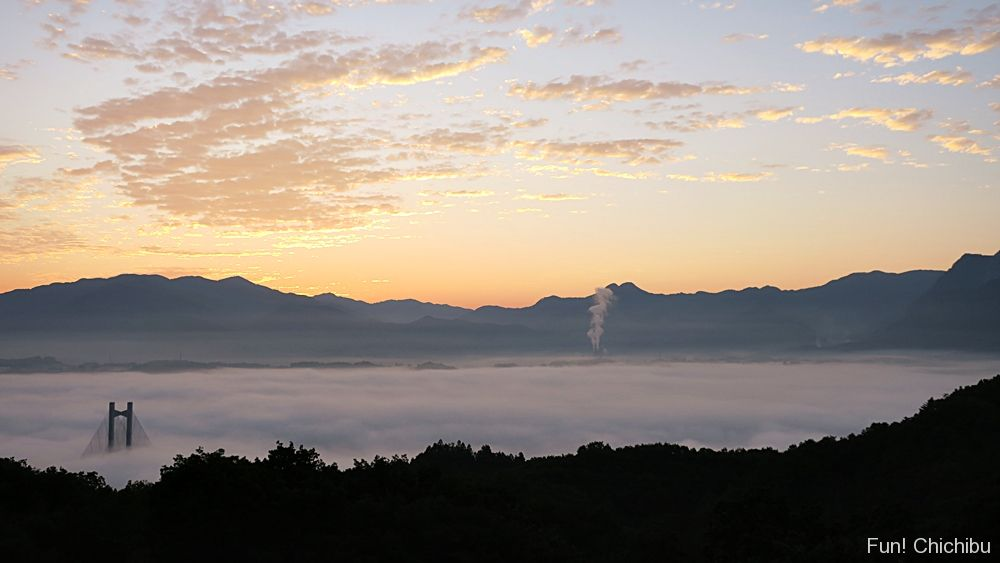 旅立ちの丘からの雲海