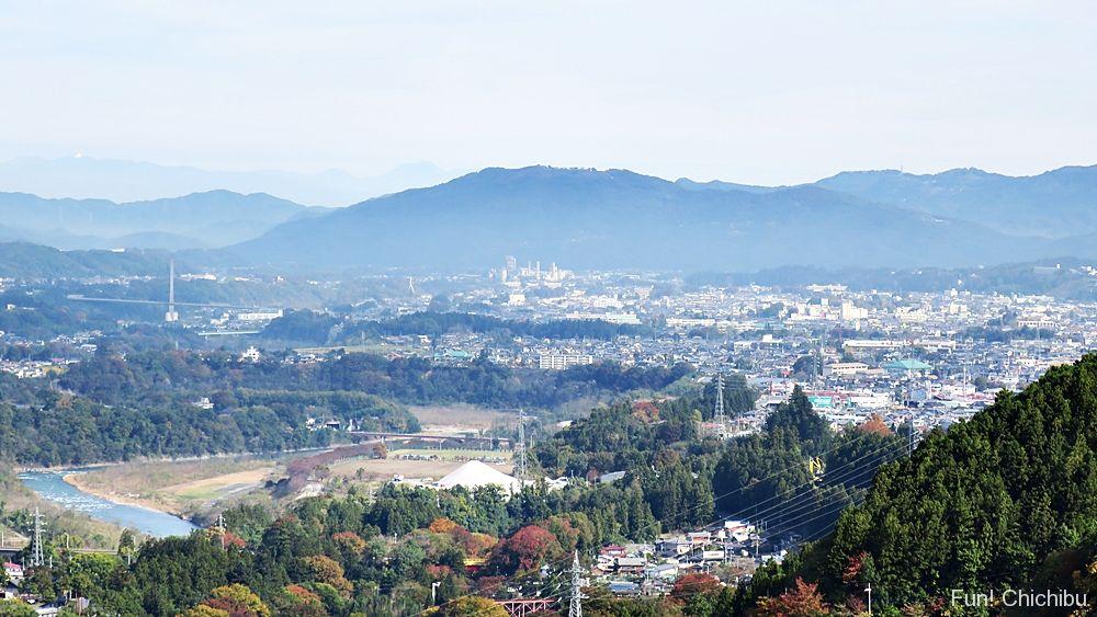 浦山ダムから見た秩父市街地