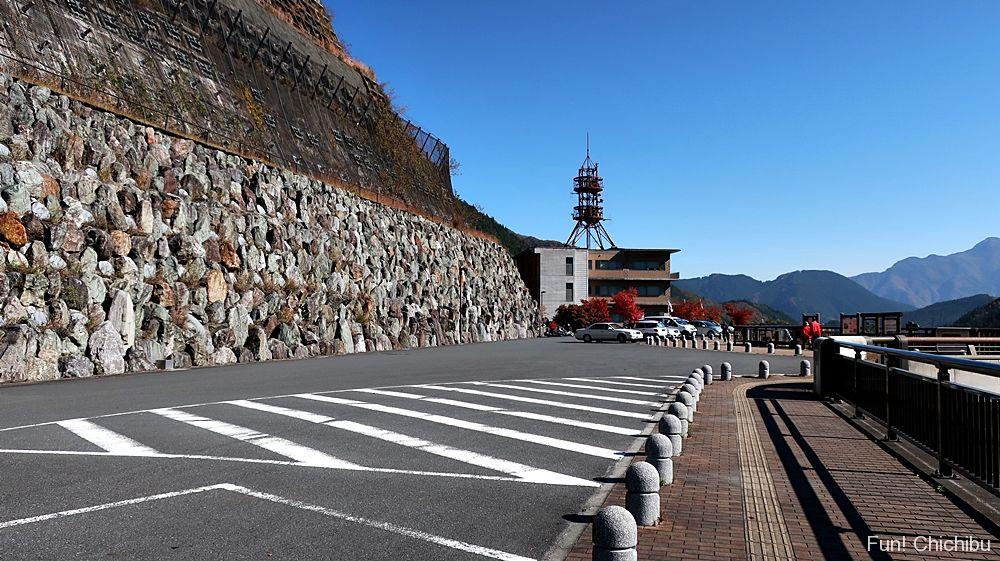 滝沢ダム管理所横の駐車場