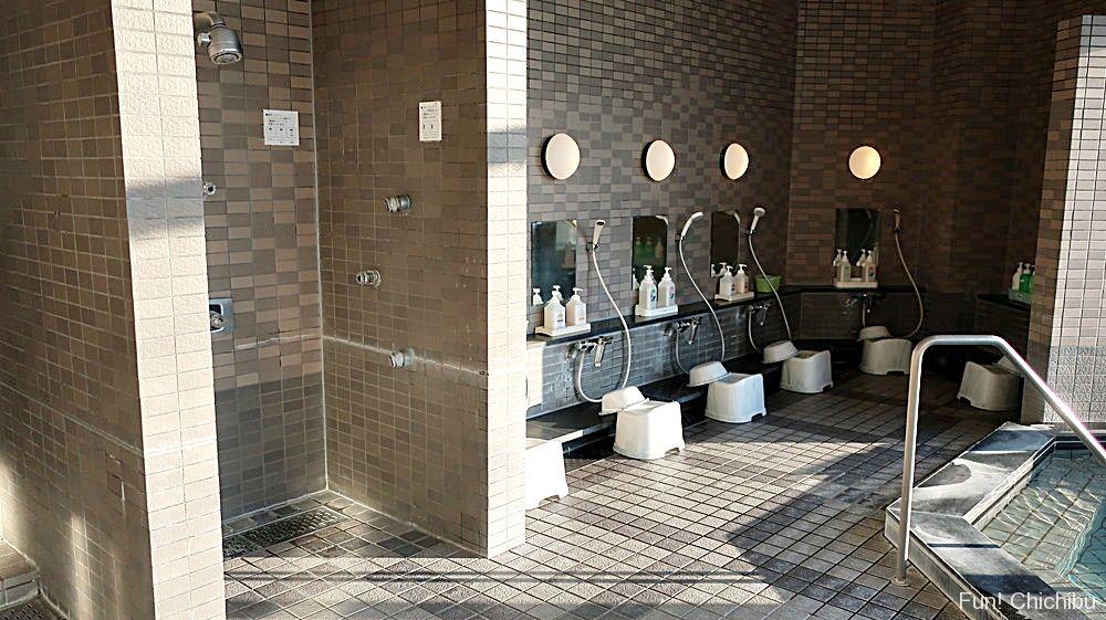 大浴場洗い場2