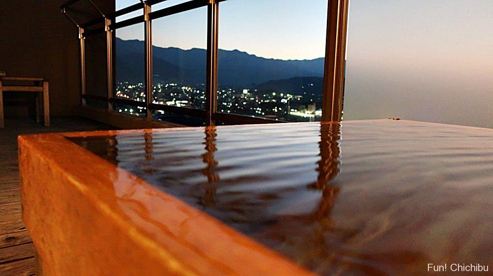 夕日と露天風呂