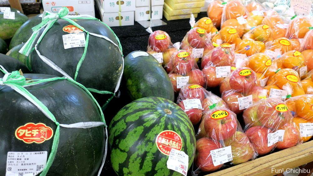 道の駅みなの農産物直売所の果物