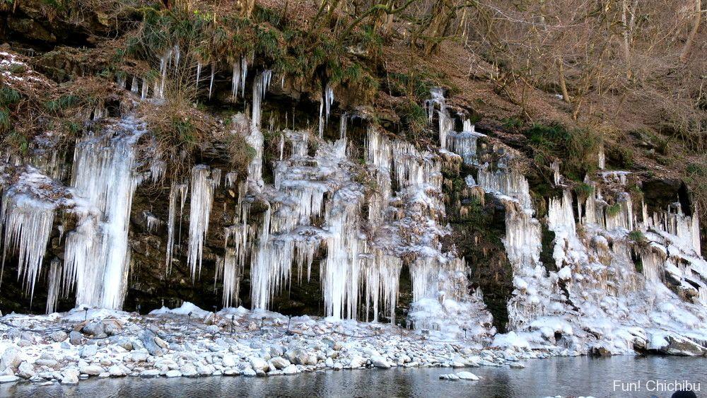 三十槌の氷柱(天然)