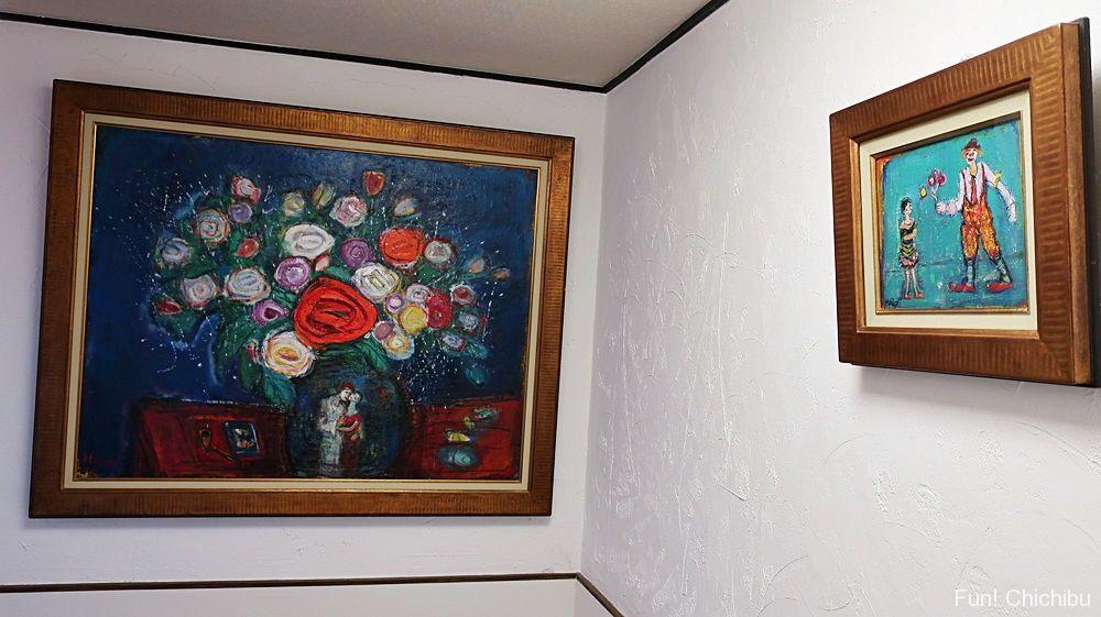 廊下の絵画
