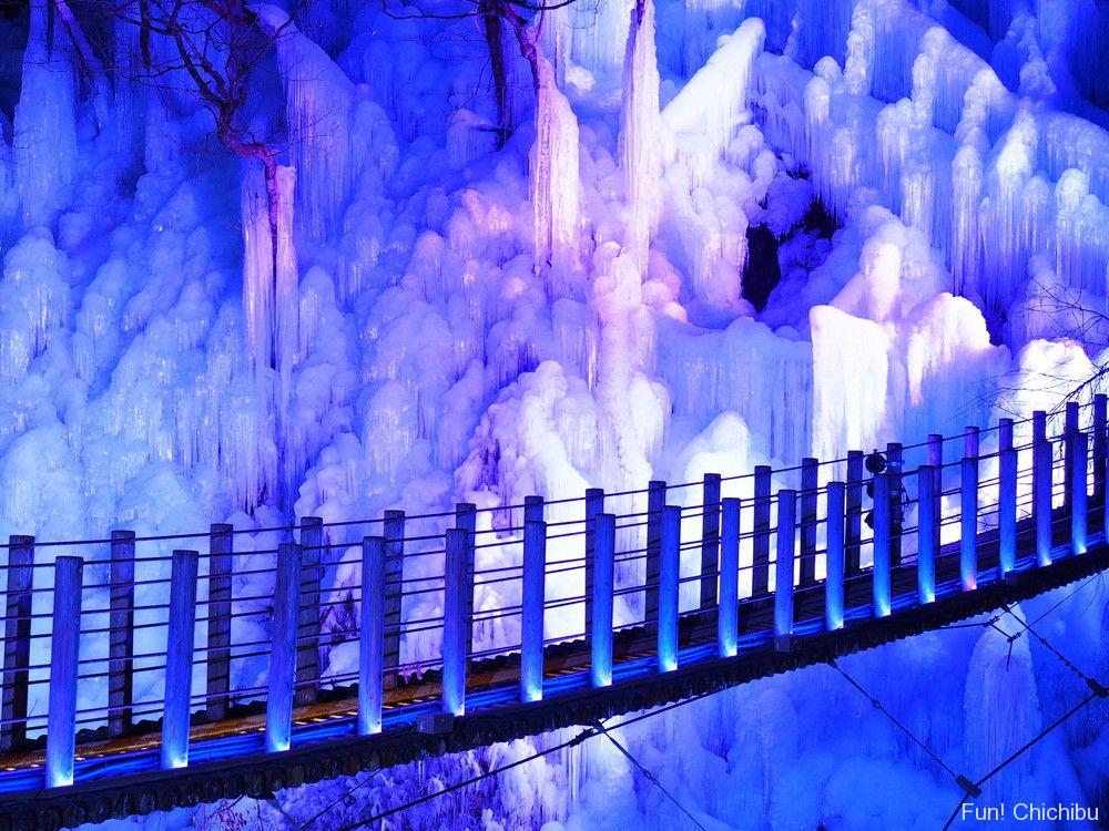 尾ノ内百景氷柱とライトアップ