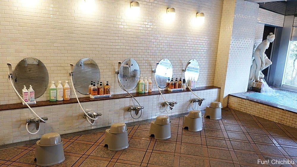 女湯洗い場