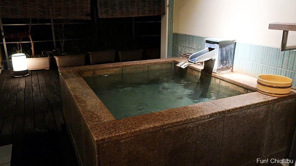 客室露天風呂夜