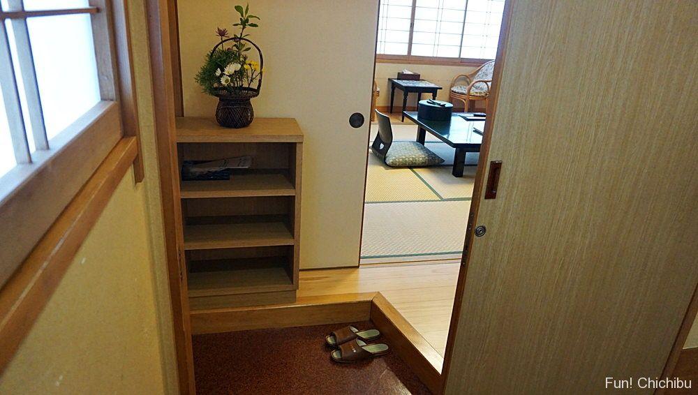 小鹿荘客室玄関