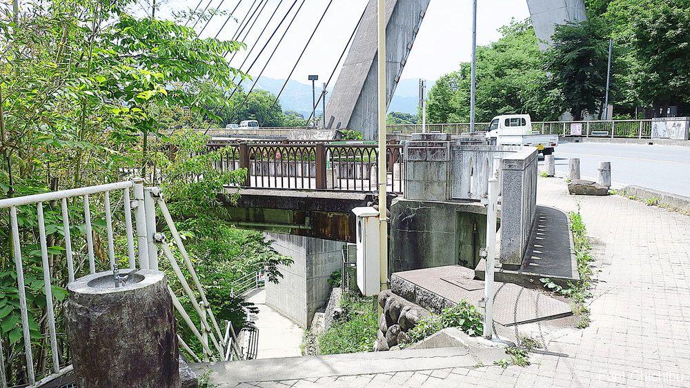 あの花 旧秩父橋階段下2