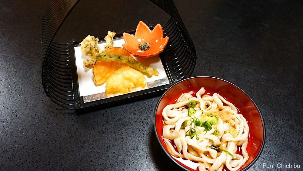 地元野菜の天ぷらと手打ちうどん