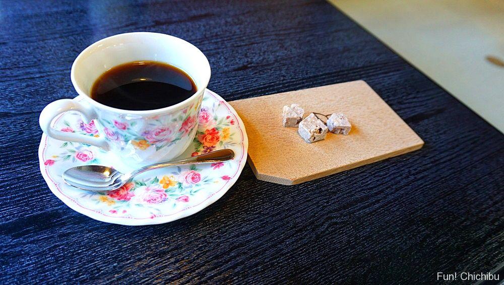 コーヒーとお茶請け