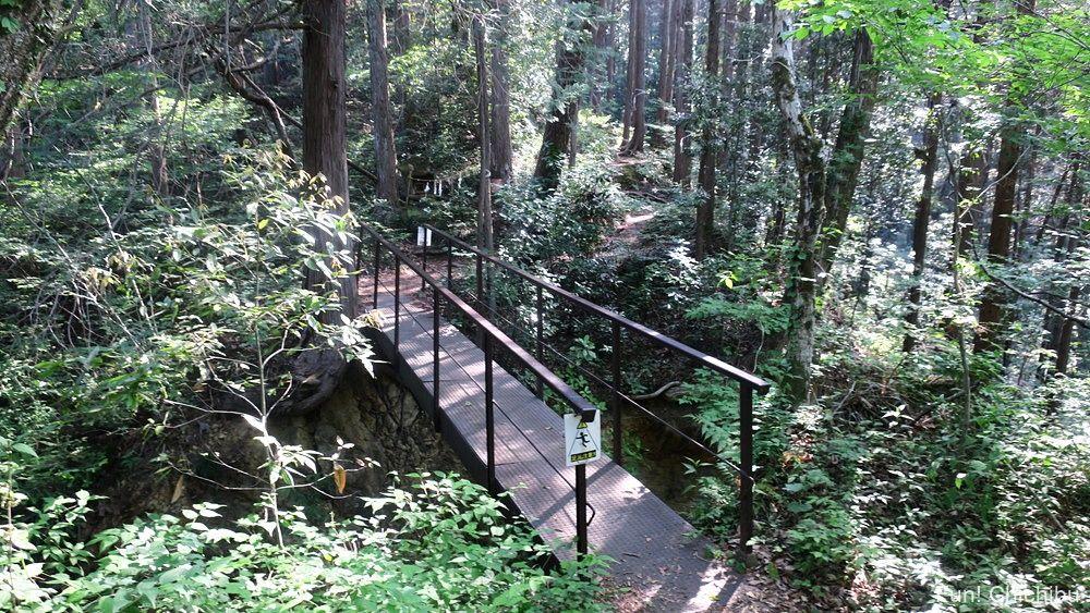 琴平ハイキングコース 鉄板の橋