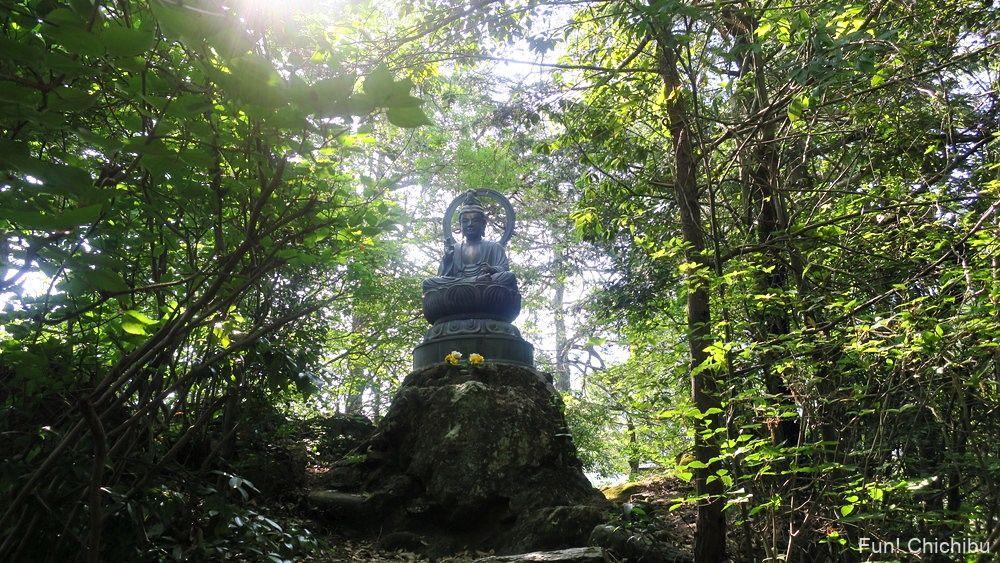 琴平ハイキングコース 小さな銅像