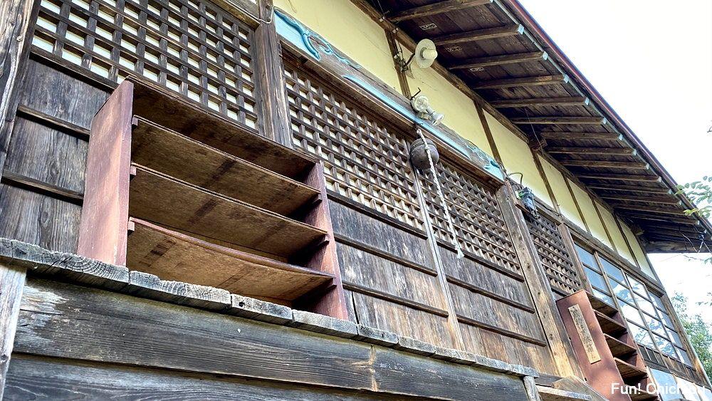 空の青さを知る人よ 聖地 熊野神社1